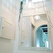 ピアラ/LIXIL/キラキラオーロラ色♪/名古屋モザイクタイル/造作ミラー/Bathroom…などのインテリア実例