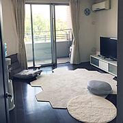 リビング階段/タレ壁/リリカラ壁紙/パナソニックの床/こどもと暮らす。/ニトリのカーテン…などに関連する他の写真