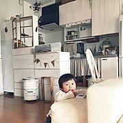 木製ガーランド/キッチンカウンターDIY/りんご箱/ベニア板/ホーロー好き♡/築35年団地…などのインテリア実例