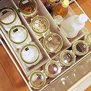 キッチンの収納のインテリア実例写真