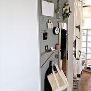 壁面収納/スワッグ/ガラスブロック/ペイント壁/古い物/ワンルーム…などのインテリア実例