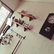 アイアン/壁紙DIY/振り子時計/ミックススタイルインテリア/Entrance…などのインテリア実例