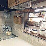Abofamily♡/飾り棚/断捨離中/キッチンの出窓/お茶セット/カッティングボード…などのインテリア実例