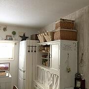 収納/ダイニングキッチン/食器棚リメイク/カゴ収納/バーンスター/冷蔵庫目隠し…などのインテリア実例