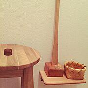 棚DIY/パイン材/セリア/父の手作り木工品/スツール/DIY…などのインテリア実例