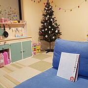 リカちゃん/シルバニアファミリー/机DIY/カラーボックス/タイルカーペット/クリスマス…などのインテリア実例