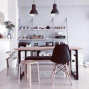 アイアンテーブル/猫/猫と暮らす/ペンダントライト/ベンチ/IKEA…などのインテリア実例