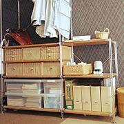 シンデレラフィット/タイルカーペット/ユニットシェルフ/My Shelf/黒い壁紙…などのインテリア実例
