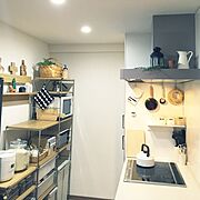 ポインセチア/灯りのついていないひょうたんランプ/おひつ/日本家屋/レトロ…などに関連する他の写真