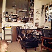 いただきものいっぱい/照明/窓枠DIY/カウンターDIY/椅子/ダイニングテーブル…などのインテリア実例