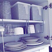 しただけ/しただけインテリア/キャンドウ/食器棚シート/セリアリメイク/吊り戸棚収納…などのインテリア実例