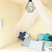 ニトリ/天蓋 DIY/照明/枕カバー手作り/余った布を使って…/100均枕カバーリメイク…などのインテリア実例