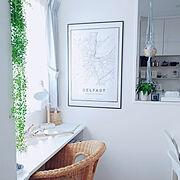 いいね❤️保存❤️ありがとうございます♪/観葉植物/カーテンの外側に多肉植物さん♪/窓側デスク…などのインテリア実例