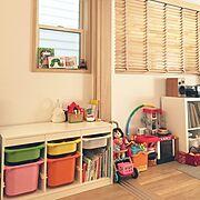 トロファスト/吹き抜けのある家/キッズキッチン/レコード棚/IKEA トロファスト/レコード収納…などのインテリア実例