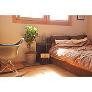 ベッドルーム/植物のある暮らし/ビンテージ/北欧/窓/観葉植物…などのインテリア実例