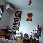 インダストリアルな照明/扇風機/バスロールサイン/古材 枕木 テレビボード/ジャーナルスタンダードファニチャー…などのインテリア実例