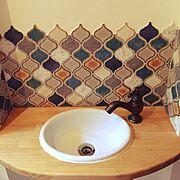 新築一軒家/造作洗面/コラベルタイル/トイレ/洗面ボウル/蛇口…などのインテリア実例