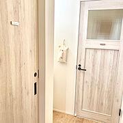 ファミリーラインパレット ホワイトオーク/脱衣所ドア/ファミリーライン/ファミリーラインパレット…などのインテリア実例