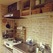 ブログ更新しました♡/セリアのレンガシート/賃貸/Kitchen…などのインテリア実例