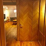 間接照明/無垢材/1LDK/北欧/無垢の床/ペンダントライト…などのインテリア実例