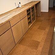 可動棚/無垢材/食器棚/無印良品/造作キッチン/タモ材…などのインテリア実例