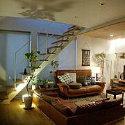 ソファー/グリーンのある暮らし/無加工無修正/観葉植物/コイズミ照明/オーク床…などのインテリア実例