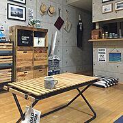 セルフリノベーション/カリフォルニアスタイル/コンクリート風壁紙/ローテーブル…などのインテリア実例