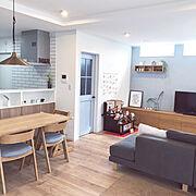 ひな祭り/アクセントクロス/無印良品 壁に付けられる家具/ブルーグレーの壁/植物のある暮らし…などのインテリア実例