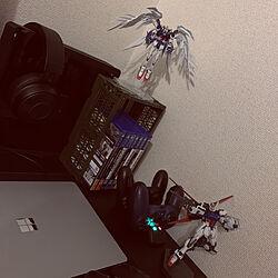 PCデスク/自室/趣味スペース/ガンプラ/ガンプラをオシャレに飾る方法教えて!...などのインテリア実例 - 2020-05-18 04:54:45