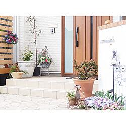 玄関/入り口/門柱/寄せ植え/ハンギングバスケット/春の花壇...などのインテリア実例 - 2018-04-09 20:41:59