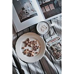 手作りクッキー/黒トリュフ塩ミックスナッツ/カルディで買ったもの/KINFOLK/tea time...などのインテリア実例 - 2020-01-24 21:18:02