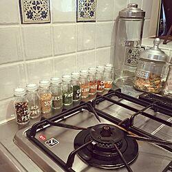 キッチン/キャニスター/タイルキッチン/スパイスラック作りたい/スパイス瓶...などのインテリア実例 - 2015-12-25 11:35:13