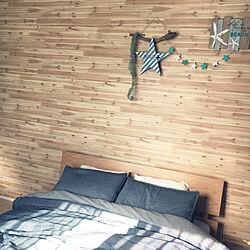 ベッド周り/流木ディスプレイ/壁紙シール/ニトリのベッド/北欧のインテリア実例 - 2017-07-27 00:08:48