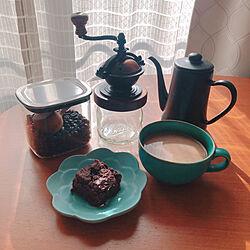 似たような投稿ばかりですいません/KINTOコーヒーメジャースプーン/コーヒーはミルクだけ派/カマノコーヒーミル/月兎90周年記念限定マットブラック...などのインテリア実例 - 2021-02-07 15:27:03