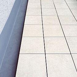 玄関/入り口/玉砂利か!くる殻か!^ ^/ベランダタイル/ベランダガーデン計画/ベランダ改造計画...などのインテリア実例 - 2015-03-07 18:24:33