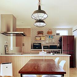 キッチン棚ディスプレイ/ダイニング/サブウェイタイル風壁紙/見せる収納/アイランドキッチン...などのインテリア実例 - 2021-01-17 20:26:13