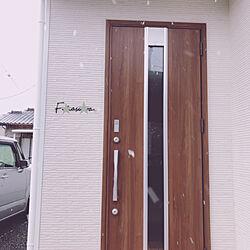 玄関/入り口/リクシルの玄関ドア/ホワイト×グレー/ホワイト×ウッド/北欧インテリア...などのインテリア実例 - 2019-02-09 19:56:45