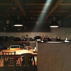 キッチン/吊るし観葉植物/ダイニングテーブル/吊り戸棚/サブウェイタイル...などのインテリア実例 - 2016-04-21 21:53:29