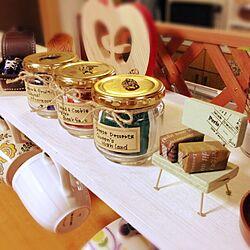 棚/鮭瓶/chococoちゃん作ミニチュア椅子/角砂糖ラッピングのインテリア実例 - 2013-12-16 07:04:43