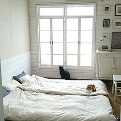 ベッド周り/DIY/ベニヤ板壁/板壁DIY/窓枠DIY...などのインテリア実例 - 2016-04-14 08:28:44
