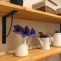 花のある暮らし/花瓶のお花/カフェ風/カゴ収納/アイアン棚受け...などのインテリア実例 - 2021-03-23 20:46:28