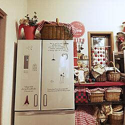 キッチン/IKEA/セリアのステッカー/冷蔵庫の上/かご収納...などのインテリア実例 - 2018-01-20 16:03:41