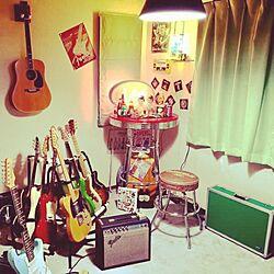 部屋全体/ギター達/ギターの置き場が定まらない/ギタースタンド/ギターアンプ...などのインテリア実例 - 2016-12-24 14:02:17