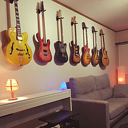 壁/天井/ギター/ギターのある部屋/ギター壁掛け/壁面収納...などのインテリア実例 - 2018-11-26 17:03:31