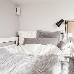 ベッド周り/モノトーン/グレー/ホワイト/木造アパート...などのインテリア実例 - 2021-03-04 04:22:01