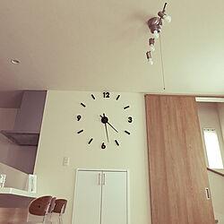 時計のある風景/リビング/狭い部屋を広く使う/男子4人でもキレイを保つ/毎朝毎昼毎夕掃除...などのインテリア実例 - 2019-02-27 16:29:35