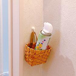 トイレ入り口左横の壁です/狭すぎて引きで撮れません/消臭スプレー/マイホーム記録/25坪の家...などのインテリア実例 - 2020-09-20 14:38:30