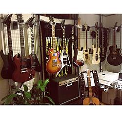部屋全体/ギターのある部屋/ギターだらけ/ギター壁掛け/ギター部屋...などのインテリア実例 - 2018-01-02 10:21:45
