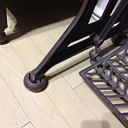 リビング/足踏みミシン/リサイクルショップのインテリア実例 - 2013-05-08 10:24:29