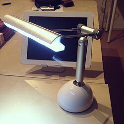 机/LEDデスクライト/iPadスタンドのインテリア実例 - 2013-03-06 23:20:32